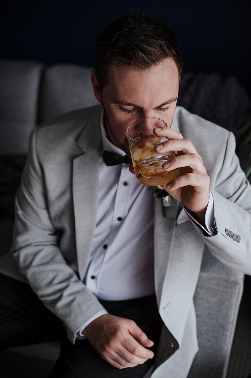 Groom Style bowtie whisky